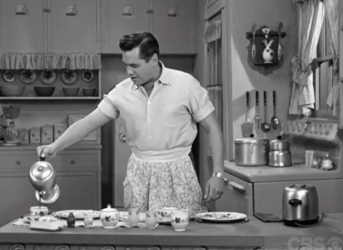 "Ricky ""prepares"" breakfast for Lucy"
