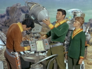 Mark Goddard as Major West, Guy Williams as John Robinson, June Lockhardt as Maureen Robinson, Lost In Space