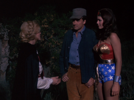 Fausta defects while talking to Steve and Wonder Woman