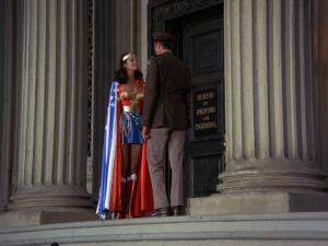 Wonder Woman in full diplomatic attire meets up with Steve