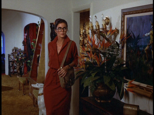 Diana investigates Hamlin's mansion