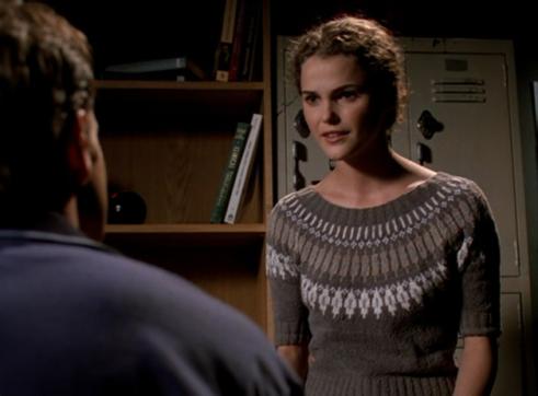 Felicity 1.18 queen of sweaters